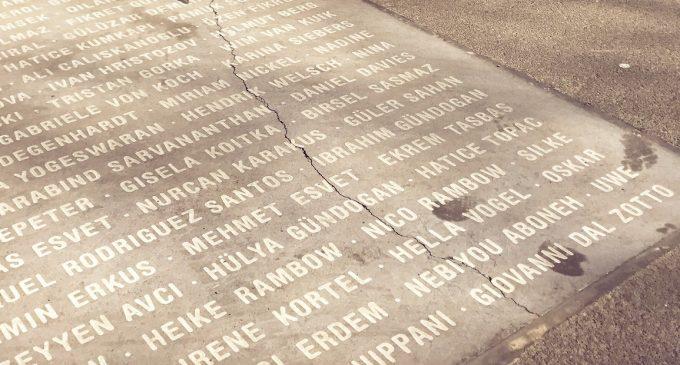 Marmor, Stein und Eisen bricht – auch beim Platz des europäischen Versprechens.