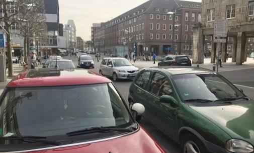Fußgängerzone rund um den Bochumer Rathausplatz ausweiten.